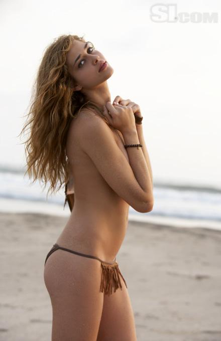 Ana Beatriz Sexy Pics