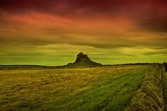 Lindisfarne Castle (Nala Rewop) Tags: red sea sky castle holyisland lindisfarne lindisfarnecastle aplusphoto orthumberland