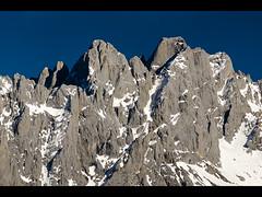 Cabrones y Cerredo (jtsoft) Tags: mountains landscape asturias olympus ario picosdeeuropa e510 torrecerredo zd50200mm jtsoftorg picoloscabrones