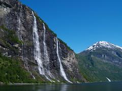 Las Siete Hermanas (Sergio.Molina) Tags: naturaleza nature norway sisters landscape waterfall paisaje seven noruega fjord e300 siete fiordo geiranger cascada geirangerfjord hermanas zd1445mm visitoslo