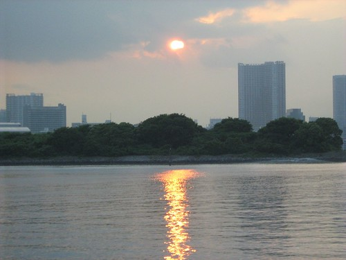 Finally seeing the sun, briefly, at Odaiba
