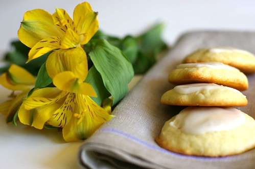 lemon buttermilk cookies