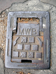 MWB (Dylan Curtis) Tags: london water iron cover valve hatch metropolitan utilities sv sluice barnet mwb lid fittings tvw threevalleys waterboard outerlondon threevalleyswater