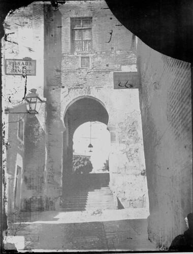 Arco de la Sangre en el Siglo XIX. Foto Casiano Alguacil