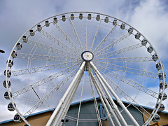 Wheel (PeterEdin) Tags: york england wheel metal lumix steel yorkshire spokes views vista gondola rim northyorkshire norwichunion cityofyork panasoniclumix yorkshirewheel dmctz3 tz3 panasonictz3 panasonicdmctz3 worldtouristattractionsltd yorkshireandhumbershire