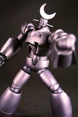 GR-2 - Giant Robo (chanchan222) Tags: anime canon giant toys rebel xt vinyl plastic figures pvc robo gr2 mazinkaiser revoltech danchan danielchan chanchan222 wwwchanofamericacom chanwaibun httplifeofplasticcom