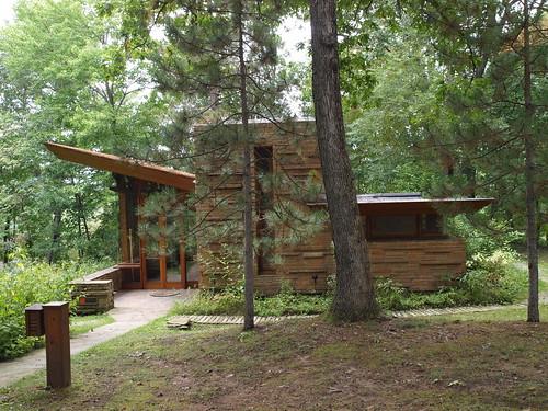 Seth Peterson Cottage designed by Frank Lloyd Wright