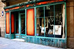 art gallery (katerbina) Tags: mare arte gente danza barceloneta murales frutta colori mercato flamenco barcellona spagna ragazzi geometrie succhi variet