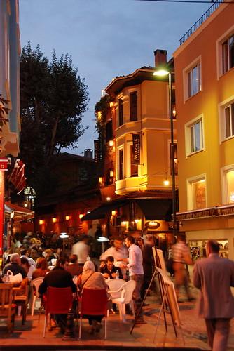 Istanbul-Divon Yolu
