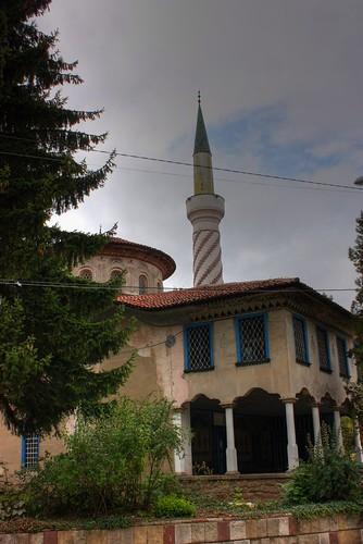 Bayraklı Camii