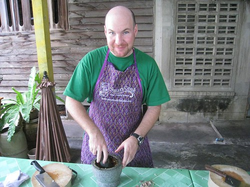 Making panang curry paste