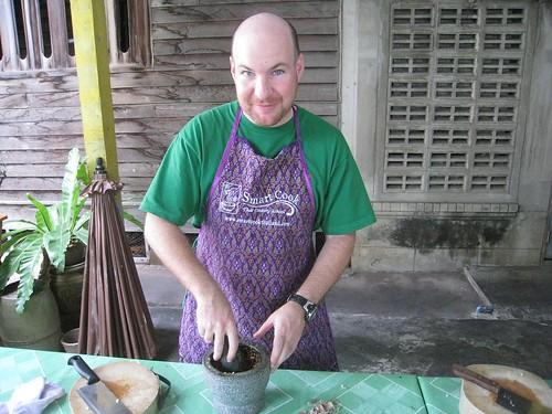 Making panang curry paste