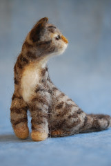 Needle felted cat - tabby/side view (rootcrop54) Tags: art wool animal animals felted cat miniature chat handmade oneofakind stripes tabby tiger felt fantasy gato needlefelting fiber striped filz needlefelted wooliture nassgefilzt needlefeltedcats rootcrop54 helenrogers