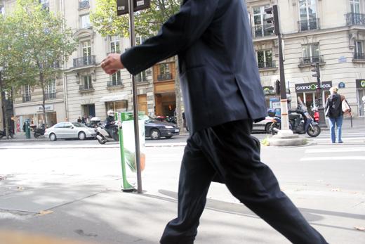 12_septembre_2008_homme_qui_marche_6422