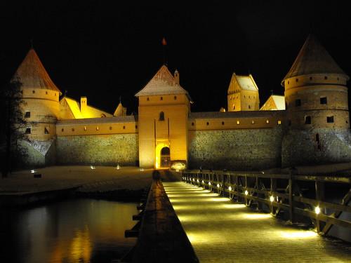Trakai Castle, Kastil Megah Di Tengah Danau [ www.Up2Det.com ]
