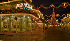 Main Street U.S.A (Jeff_B.) Tags: christmas street usa castle night shopping mainstreet dusk fortcollins disney christmaslights disneyworld cinderella wdw waltdisneyworld magickingdom smalltown mainstreetusa marceline harpergoff