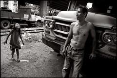 the shy girl (fly) Tags: street people thailand blackwhite asia bangkok fly simonkolton