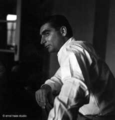 Capa, Robert - 1949 Ernst Haas (RasMarley) Tags: portrait photographer capa haas robertcapa photoportrait ernsthaas