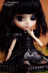 Thank you Mummy!!!!! (Amarie Photography ) Tags: red brown black eye dark hair outfit doll gothic version yuki lolita planning psycho groove pullip yukichan limited edition jun mueca