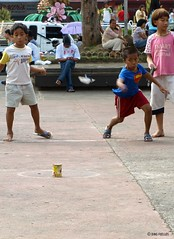 Si Superboy at tumbang-preso (Inkblots) Tags: life portrait people child philippines streetphotography olympus explore 100 scenes zuiko davao pinoy filipinos mindanao e510 explored pinoycentric filipinochild olympuse510 dingfuellos thefilipinochild portraitofafilipino wowpilipinas inkblots vignettesoflife