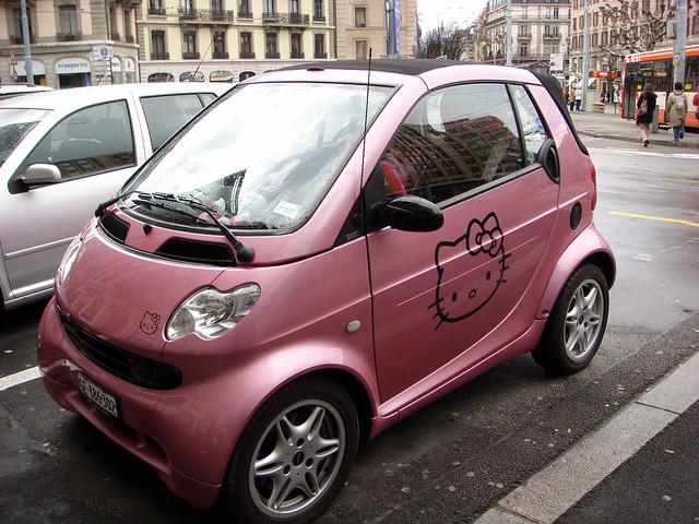 Amazing hello kitty car