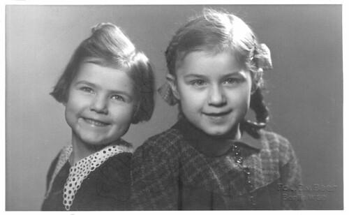 my mum and her sister - meine mami und ihre schwester