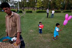 Pink balloon - Dhaka (Maciej 'Magic' Stangreciak) Tags: park pink tourism photography asia magic ballon capital dhaka bengal bangladesh bangla maciej bangladeshi crescentlake jatiyosangshadbhaban 40d mrmagic ziauddan maciejstangreciak stangreciak chandrimauddan pbasecommagic maciejmagicstangreciak maciejmagic