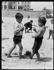 Atlantic City Beach (George Eastman House) Tags: bw usa beach boys kids seaside newjersey 1900 beaches atlanticcity boxing fighting georgeeastmanhouse color:rgb_avg=969696 williammvanderweyde geh:accession=197400560731