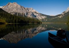 Emerald Lake (whc7294) Tags: lake canada reflection boat nationalpark britishcolumbia canoe emeraldlake canadianrocky yohonationalpark カナダ 10faves superhearts lunarvillage thefinalcrown nikond300 artinoneshot