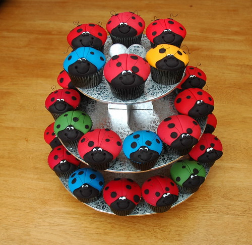 lady bug cupcake tower