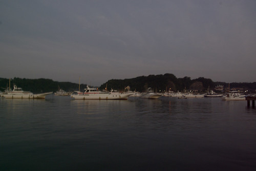夜明けの剣崎松輪港