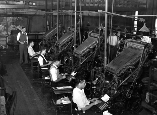 Russell Lee: Linotype operators of the Chicago Defender, 1941