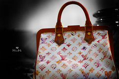 Louis Vuitton (D o u b l e y o u) Tags: lighting red bw white elegant handbag limitededition lv adv louisvuitton mystyle aquarellebag