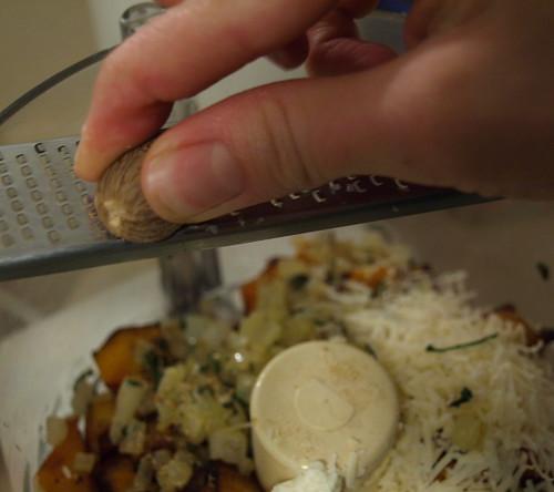 making squash ravioli filling