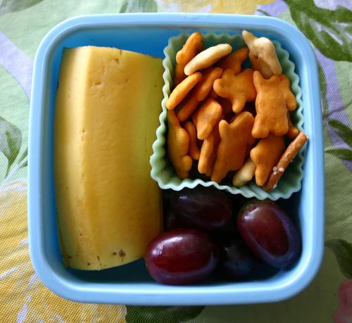 Preschooler Snack Bento #171: April 24, 2009
