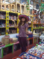 juanita (jaqui rivera) Tags: losangeles sombrero mexicanhat mexicanart touristshop olverast artisania
