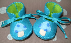 teal and lime baby shoes with kawaii mushrooms motifs-hand-stitched (Funky Shapes) Tags: uk pink b baby shoes handmade chocolate teal felt zapatos kawaii bebe ribbon accessories etsy dots slippers booties bootees wholesale mushrroms accesorios etsybaby