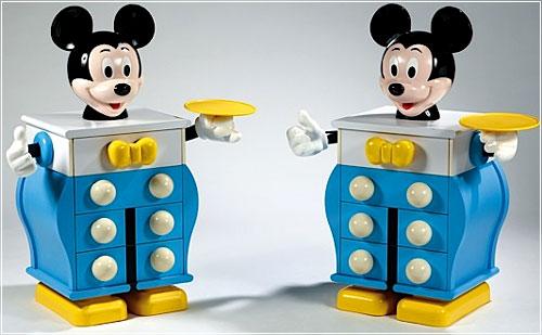 Commodes Mickey vendues aux enchères par Artcurial