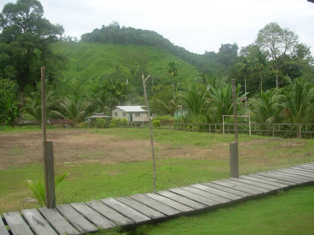 Sarawak-Belaga-LHouses (176)