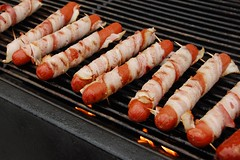 20080626 Bacon-Wrapped Hot Dogs