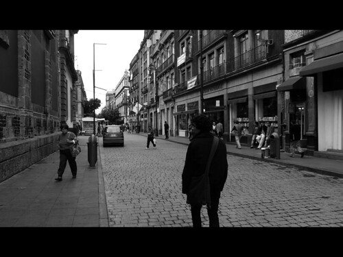Dos audiopoemas inéditos (Sobreviviendo y, Siento)