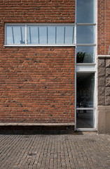 _MG_3888-Edit (Peter Guthrie) Tags: lund building brick art wall architecture bench skne gallery sweden sverige arkitektur konsthall lundskonsthall klasanshelm