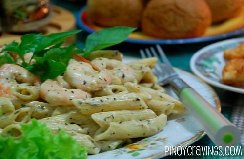 Healthy Shrimp Pesto Pasta Recipe