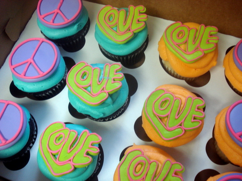 70s-themed Cupcakes--PEACE and LOVE