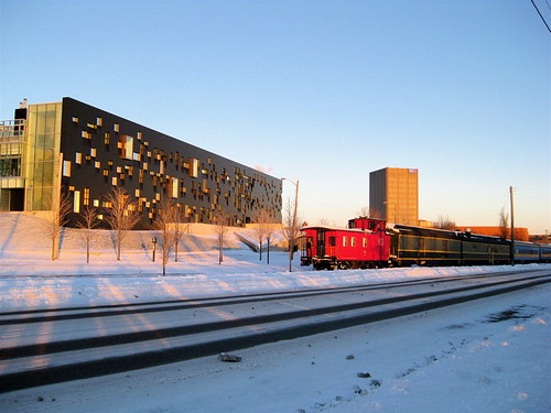 Perimeter Institute and tourist train