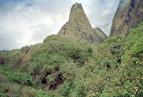 Iao needle by Ik T