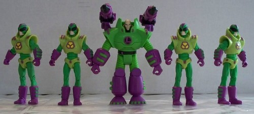 Lex Luthor and his Rockettes... um... that is, Luthor Troopers.