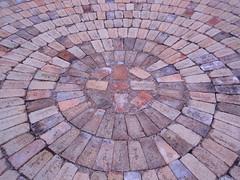 brick circle