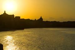il mattino ha l'oro in bocca (photoit1) Tags: canon mare riflessi eos350d sicilia oro trapani colourartaward