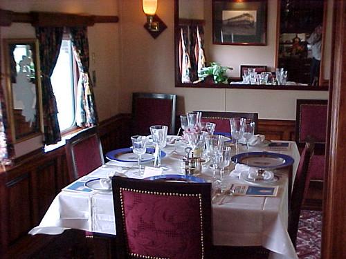 Private Rail Car Georgia 300 - dining